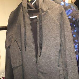 Lululemon Coat / Jacket (Size medium / large)